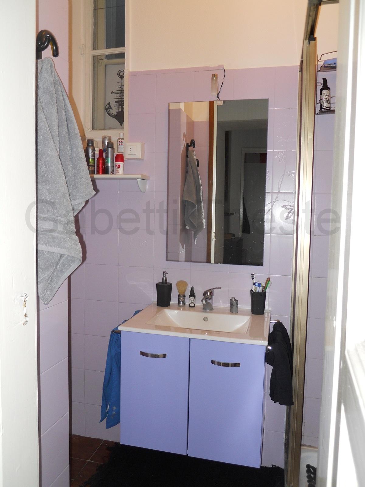 Foto Bagni Moderni Arredati.4 Gabetti Trieste Affitto Appartamento Arredato Moderno Luminoso